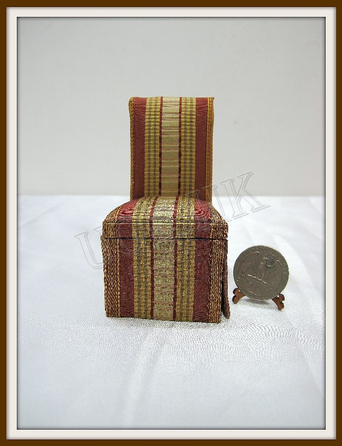 1:12 Scale of doll house fabric dining chair -10504